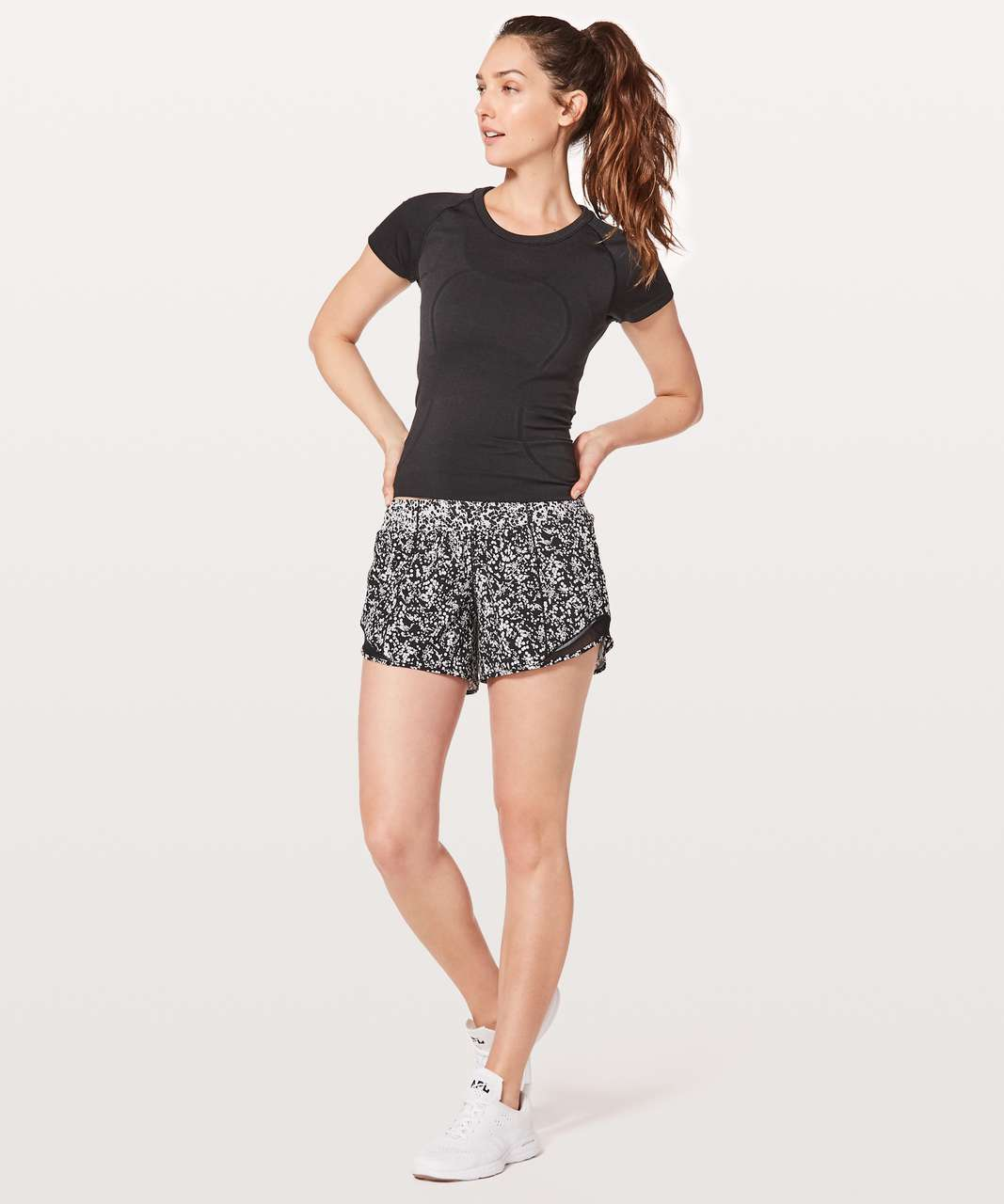 "Lululemon Hotty Hot Short II *Long 4"" - Chirasu Black / Chirakasu Alpine White / Black"