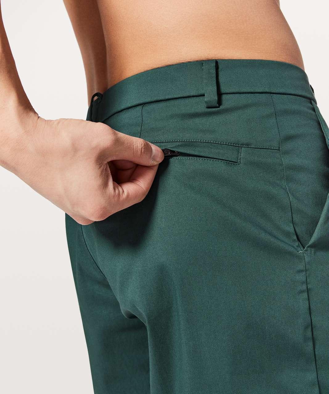 "Lululemon Commission Short Slim *Chino 9"" - Antigua"
