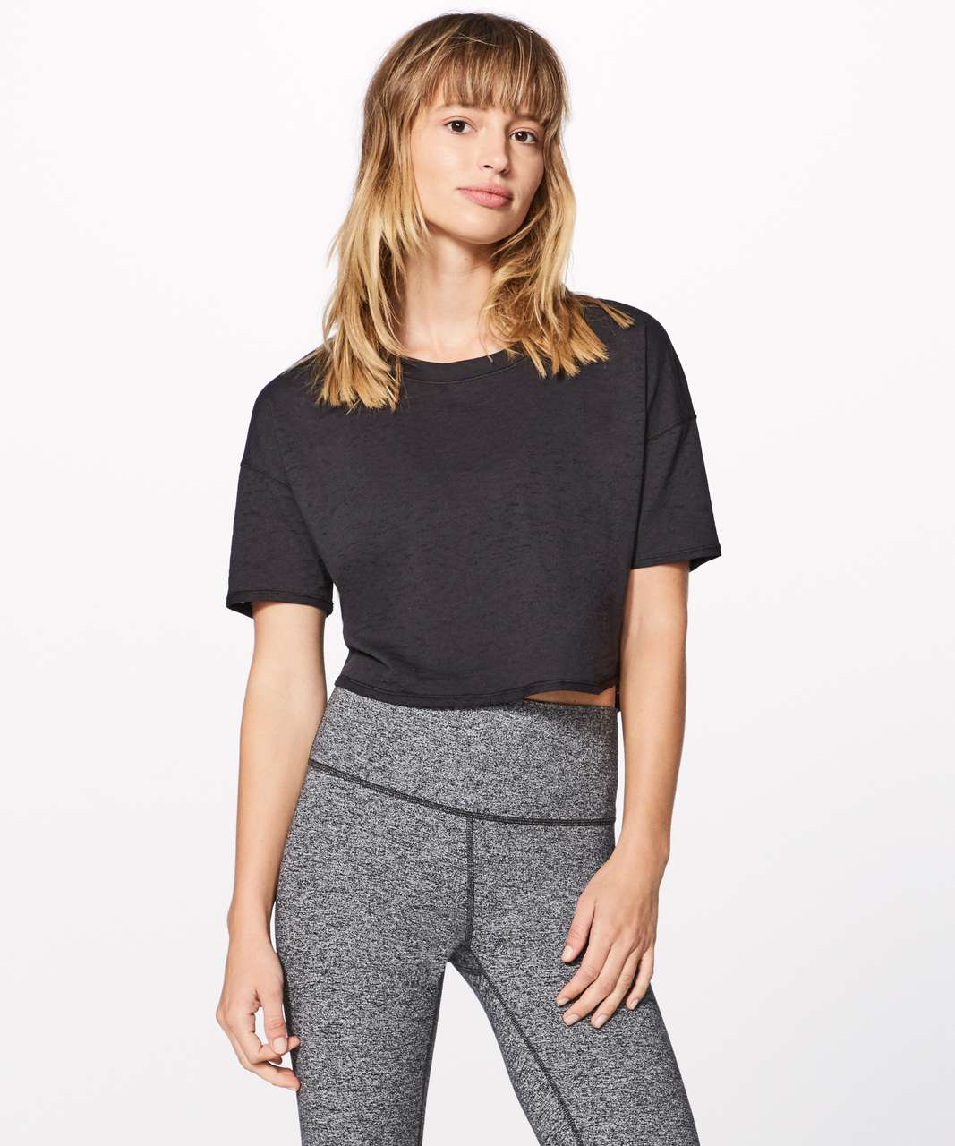 461402cf57 Lululemon shirt Black womens lululemon shirt Slightly cropped A