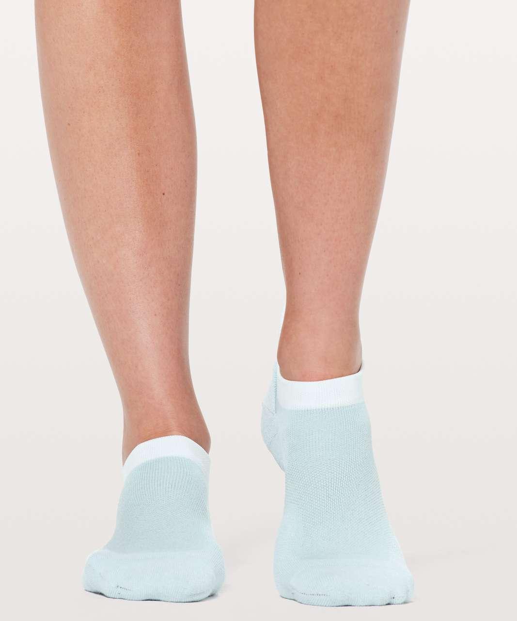 Lululemon Speed Sock *Silver - Blue Glow / White