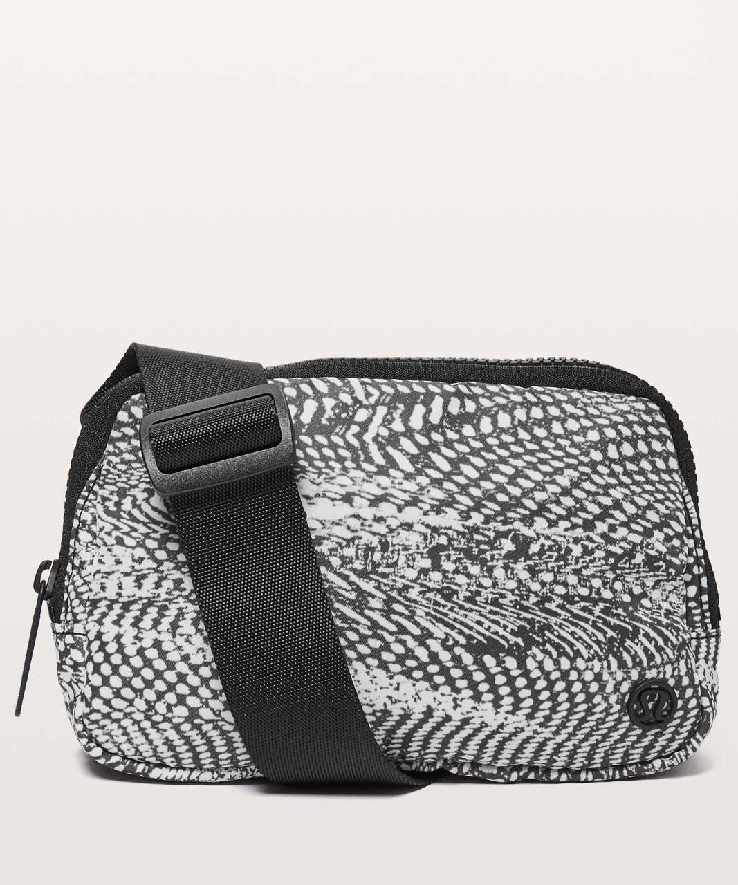Lululemon Everywhere Belt Bag *1L - Swerve Vapor Metal Grey / Black