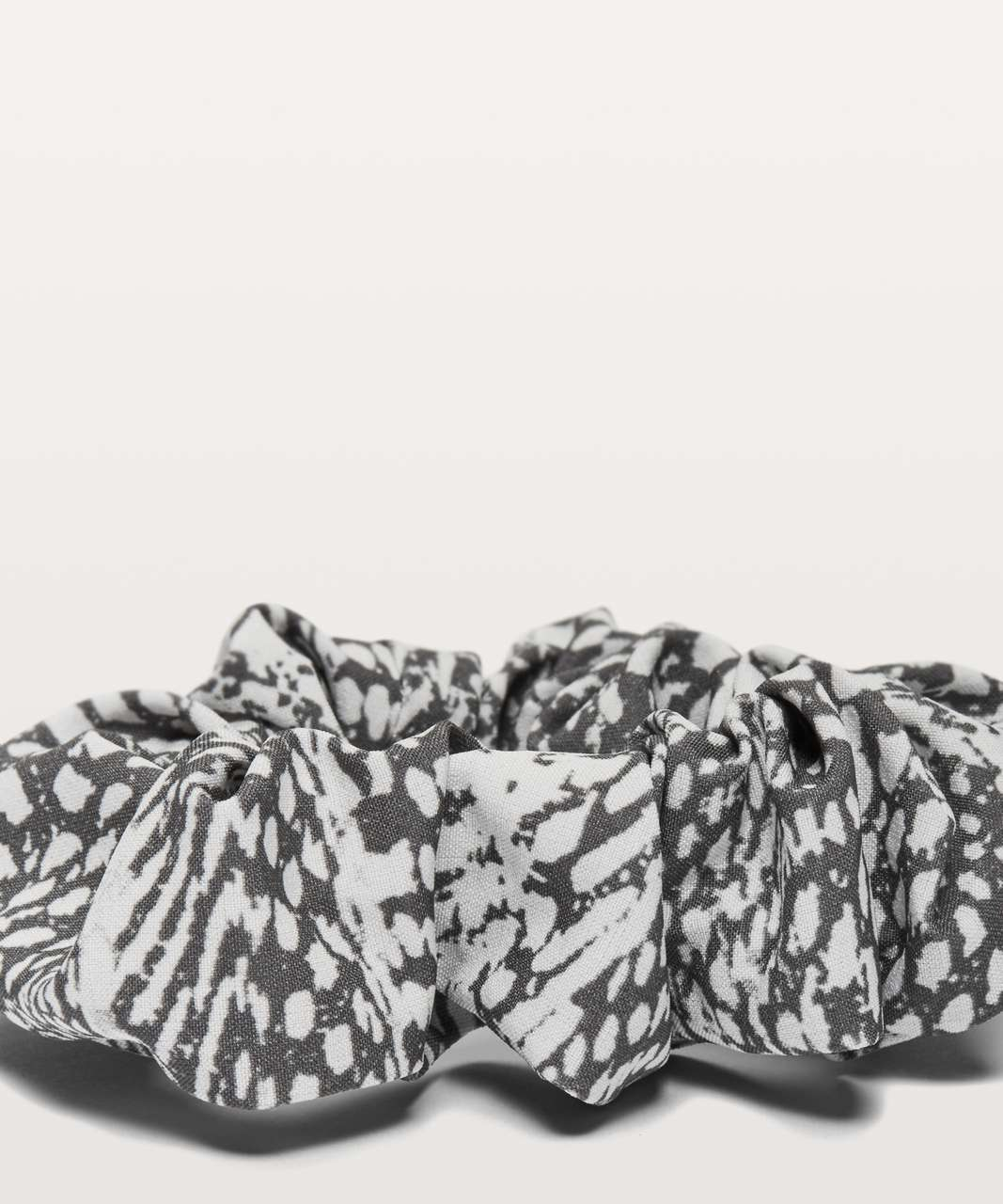 Lululemon Uplifting Scrunchie - Swerve Vapor Metal Grey