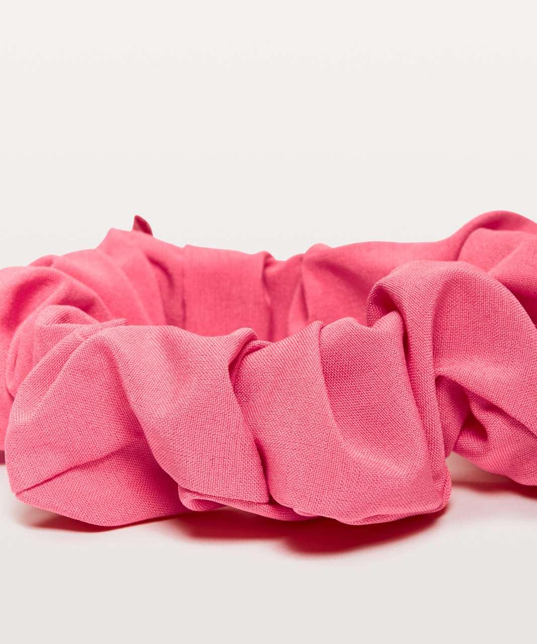 Lululemon Uplifting Scrunchie - Glossy