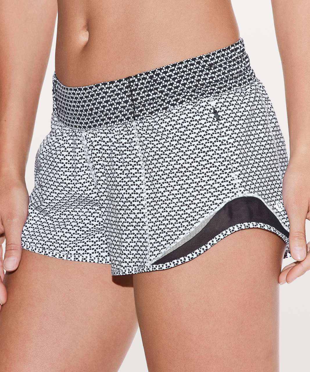 "Lululemon Hotty Hot Short II *2.5"" - Monochromic White / Monochromic Black"