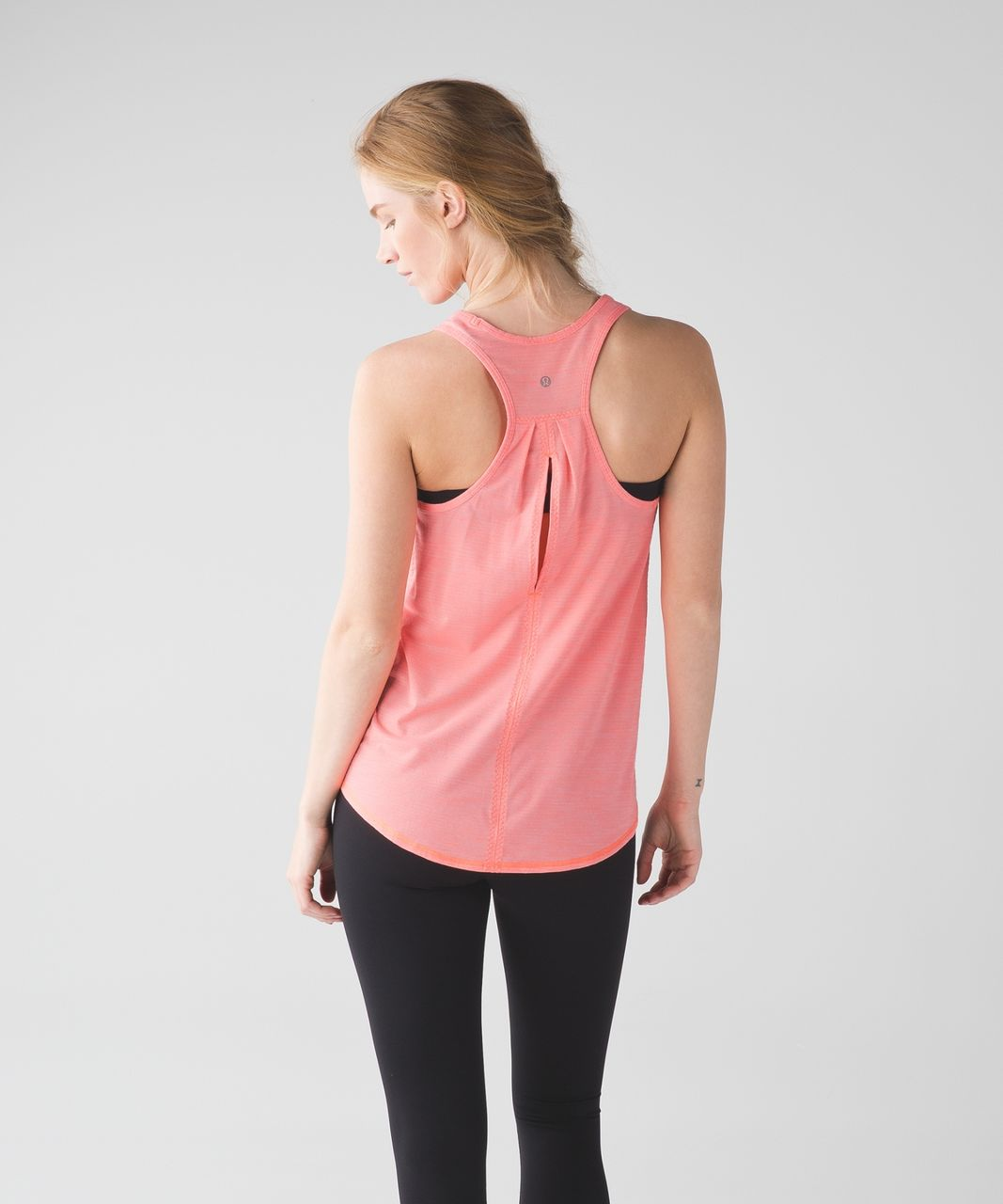 Lululemon Salute the Sun Singlet II - Heathered Very Light Flare
