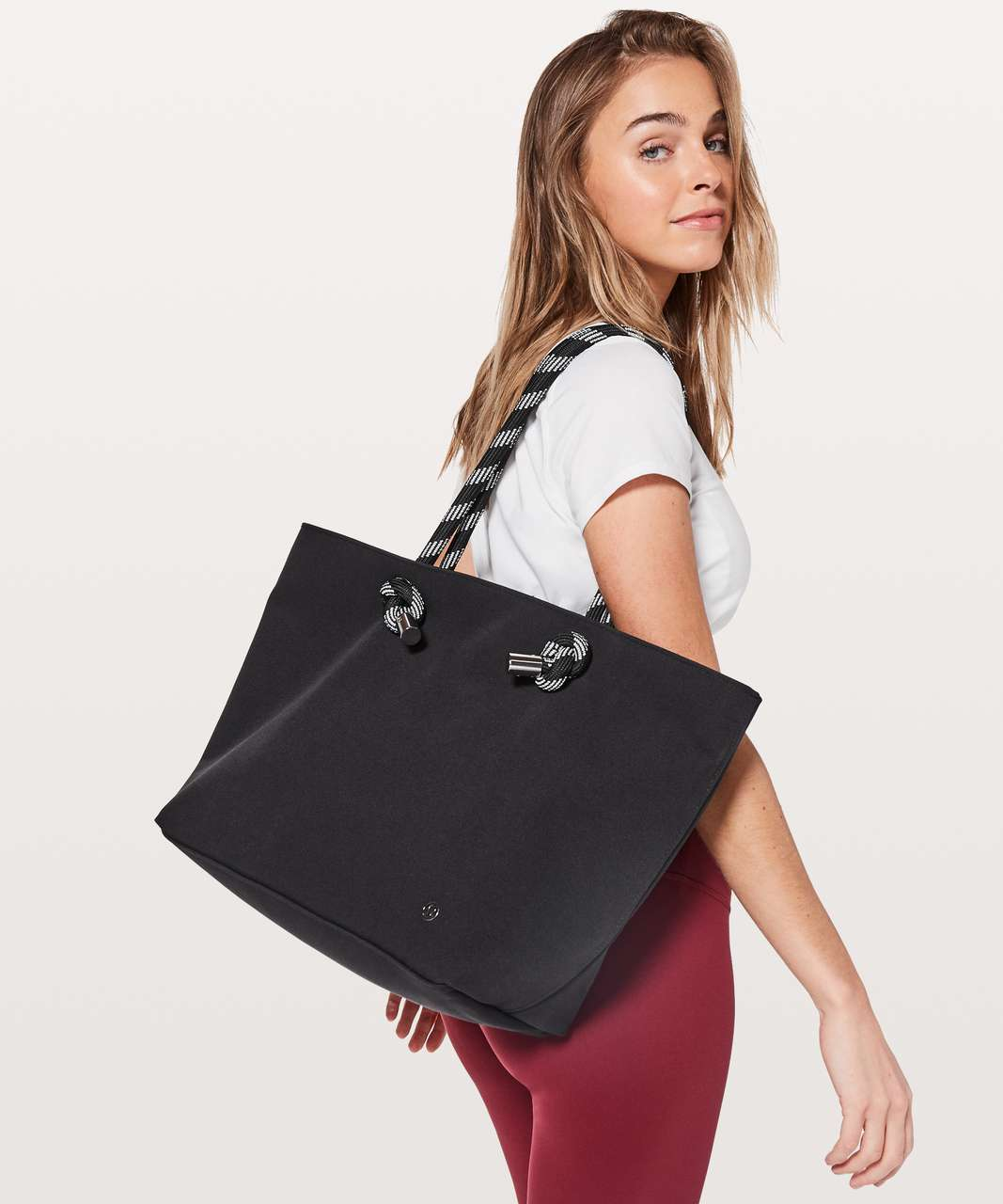 Lululemon Harbour Tote *23L - Black