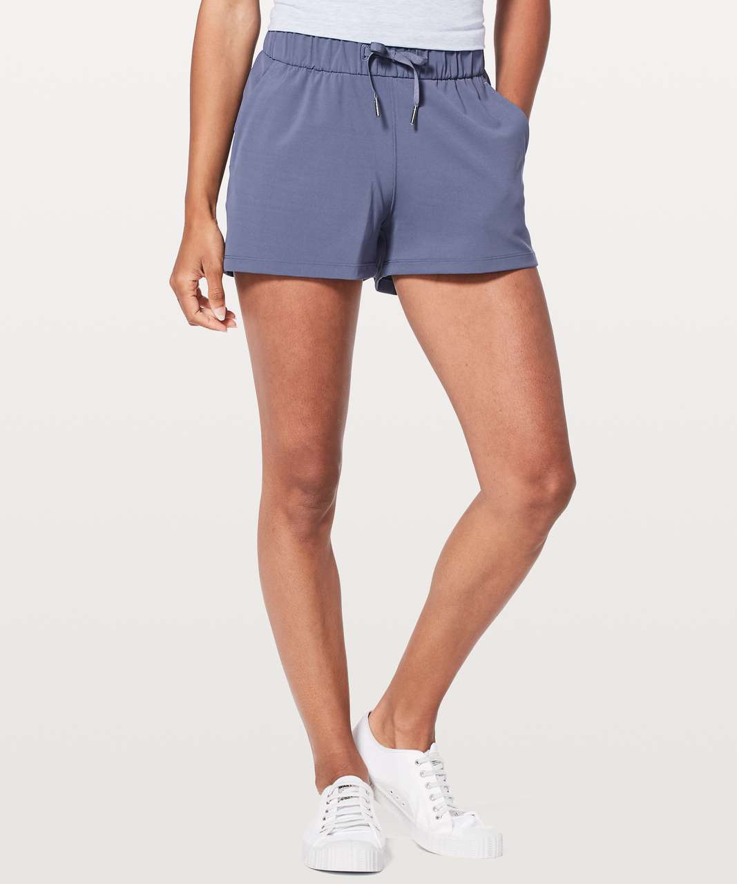 "Lululemon On The Fly Short *2.5"" - Moody Blues"