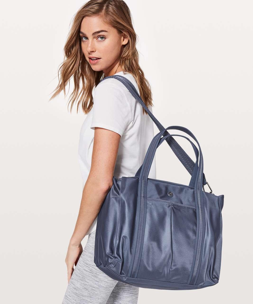 Lululemon Everywhere Bag *23L - Shade