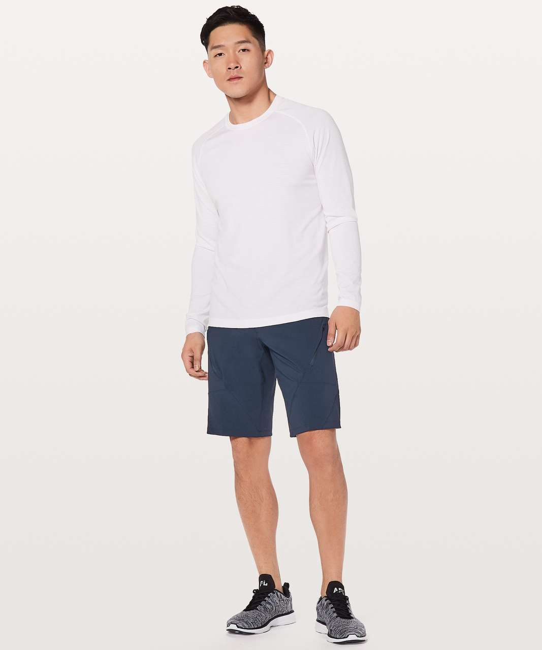 "Lululemon Mountain Side Shorts *11"" - True Navy"