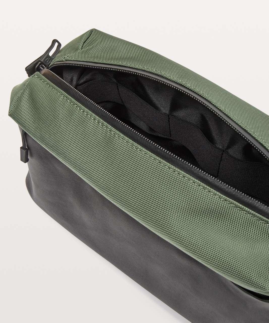 Lululemon Dual Duty Dopp Kit *6L - Green Twill