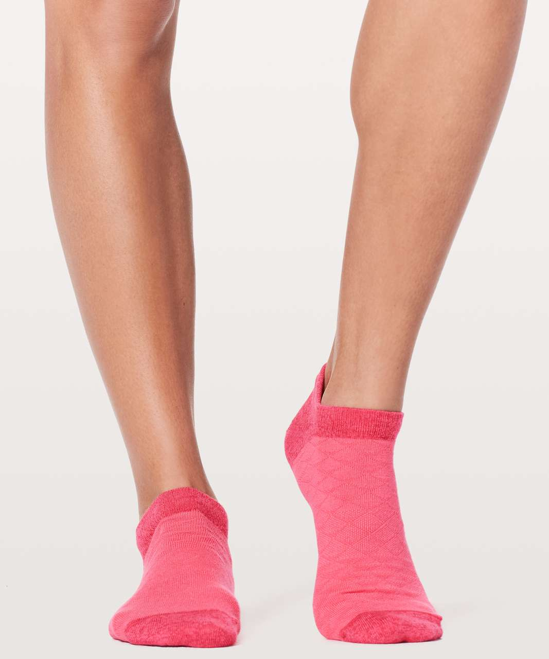 Lululemon On The Fly Sock *Mountain - Glossy / Fuchsia Pink