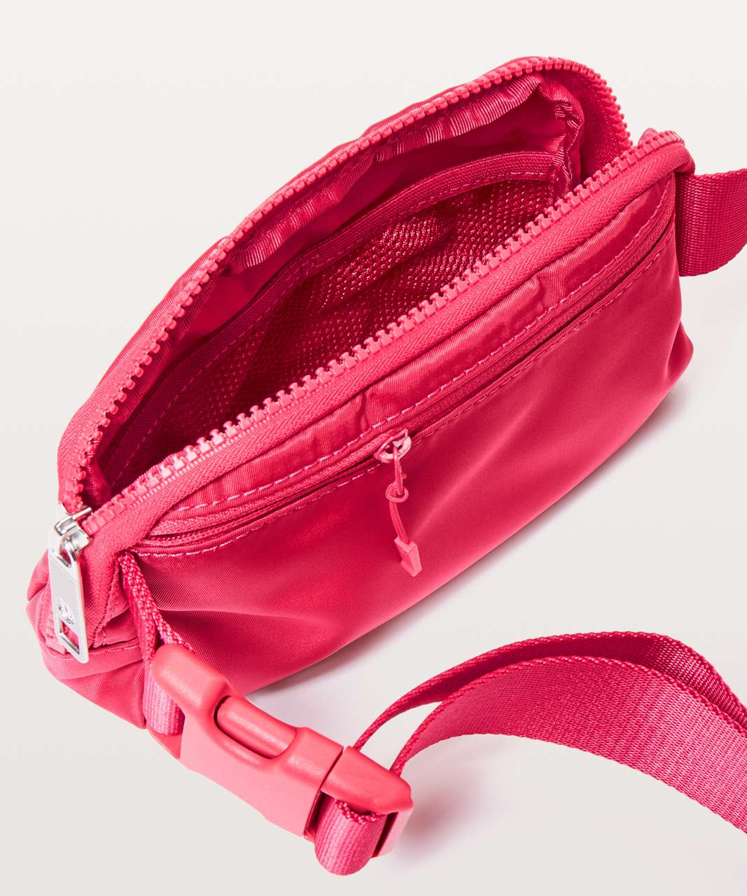 Lululemon Everywhere Belt Bag *1L - Fuchsia Pink