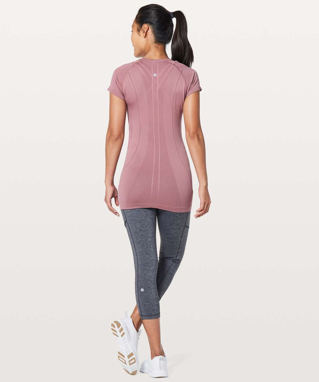 Lululemon Swiftly Tech Short Sleeve Crew - Figue / Figue