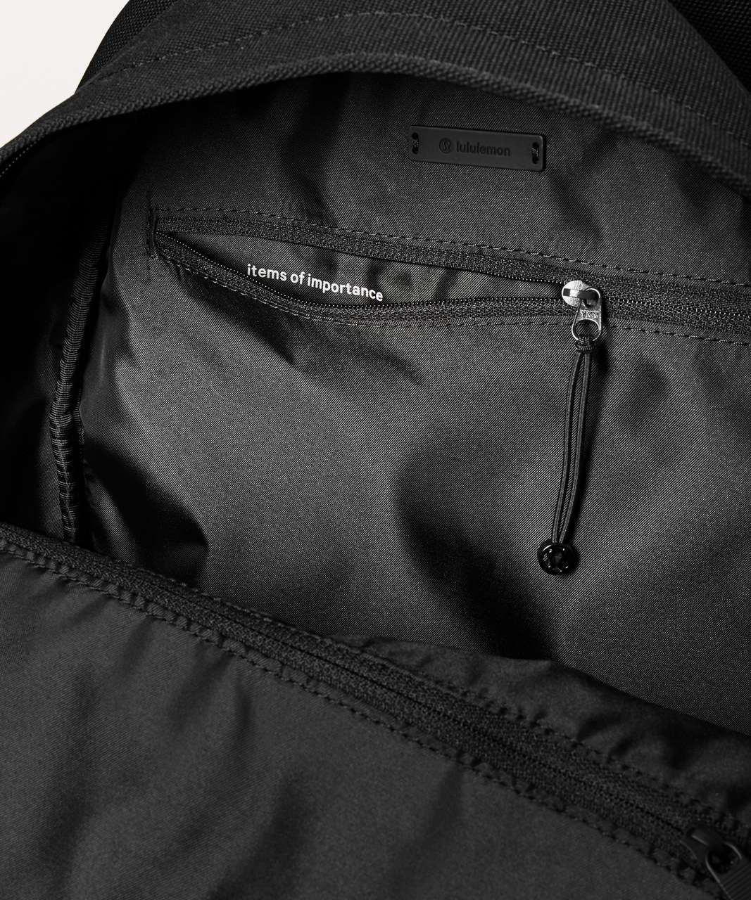 Lululemon Everywhere Backpack *17L - Black