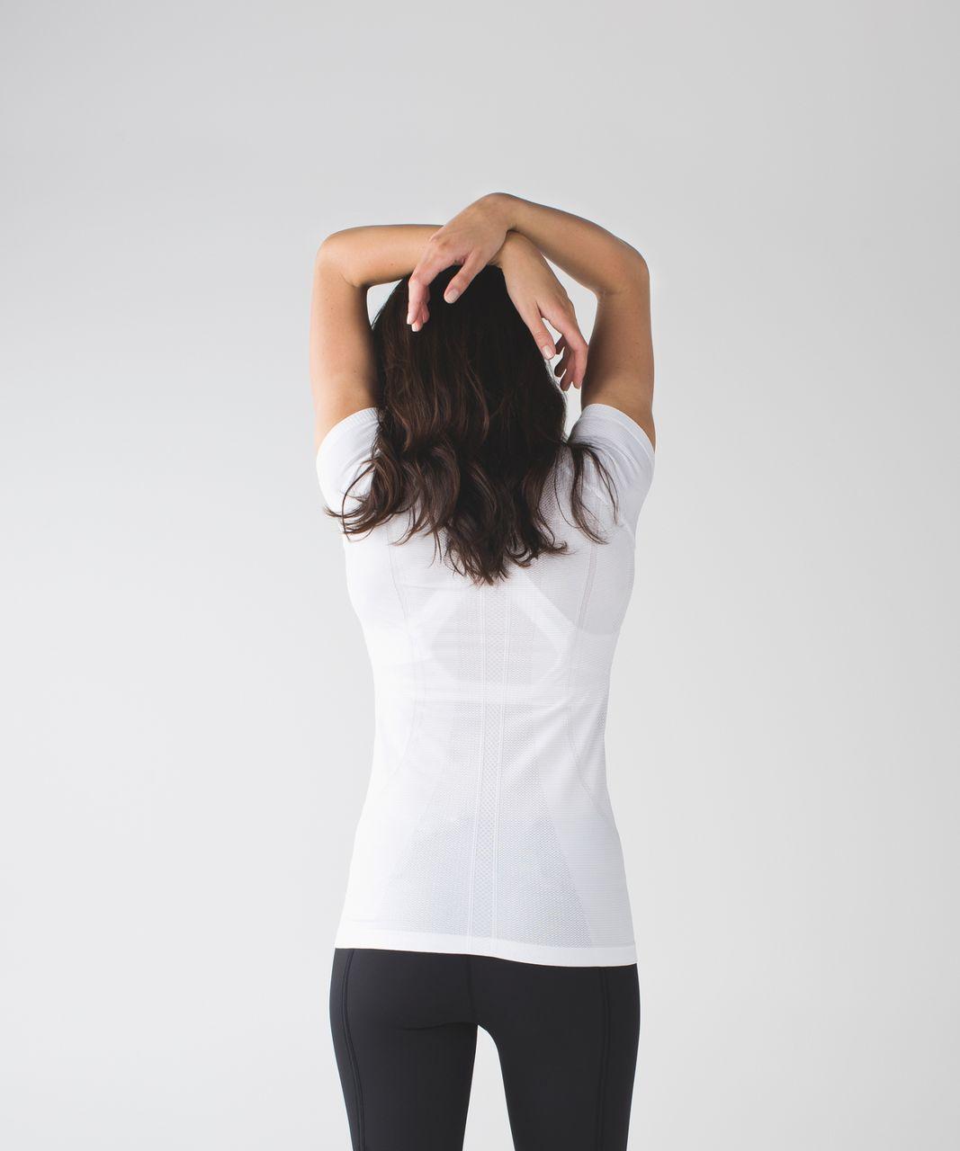 Lululemon Swiftly Tech Short Sleeve Scoop - Heathered White