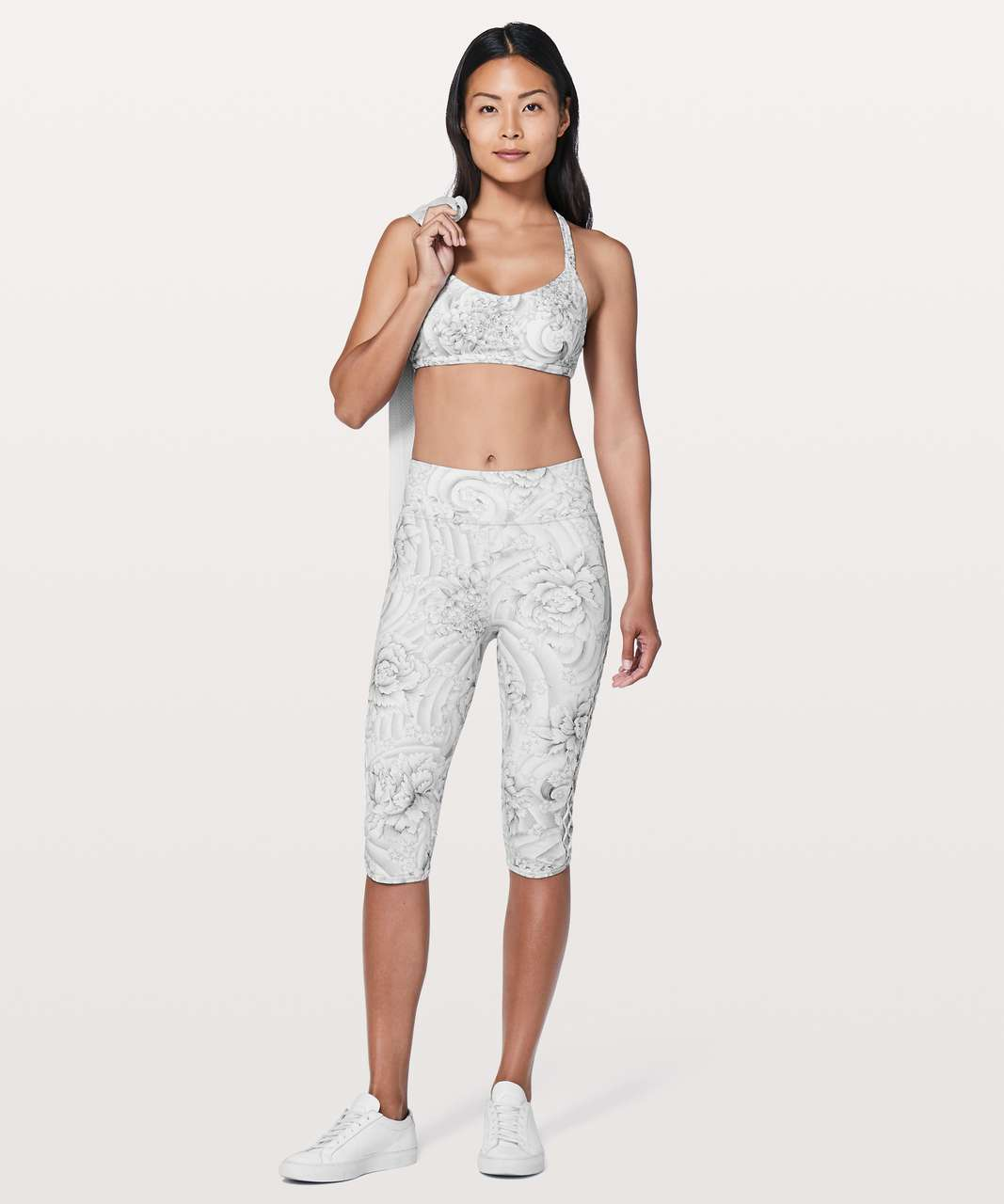 "Lululemon Love Knot Crop *15"" - Twine White Multi"