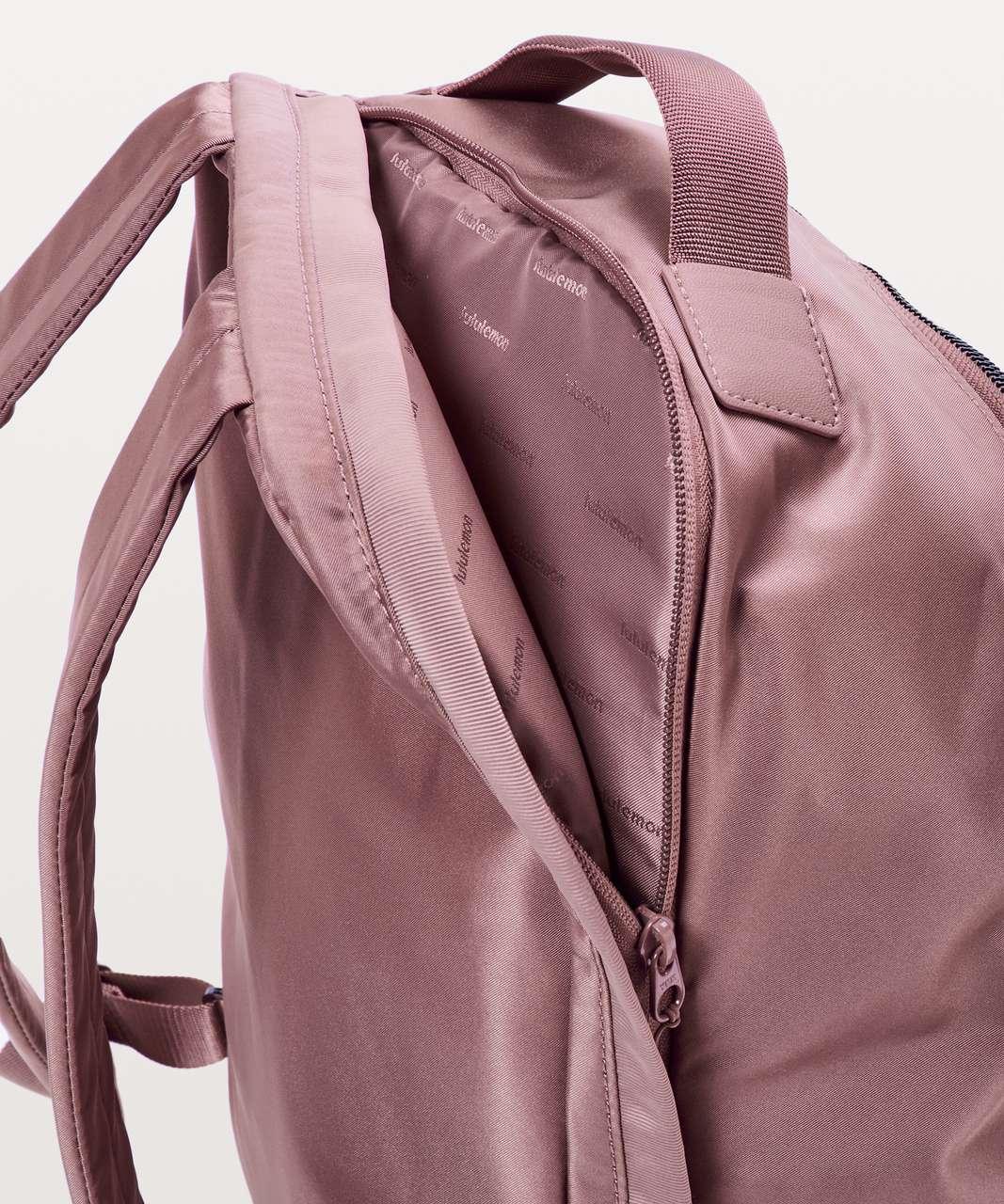 Lululemon City Adventurer Backpack II *17L - Red Dust