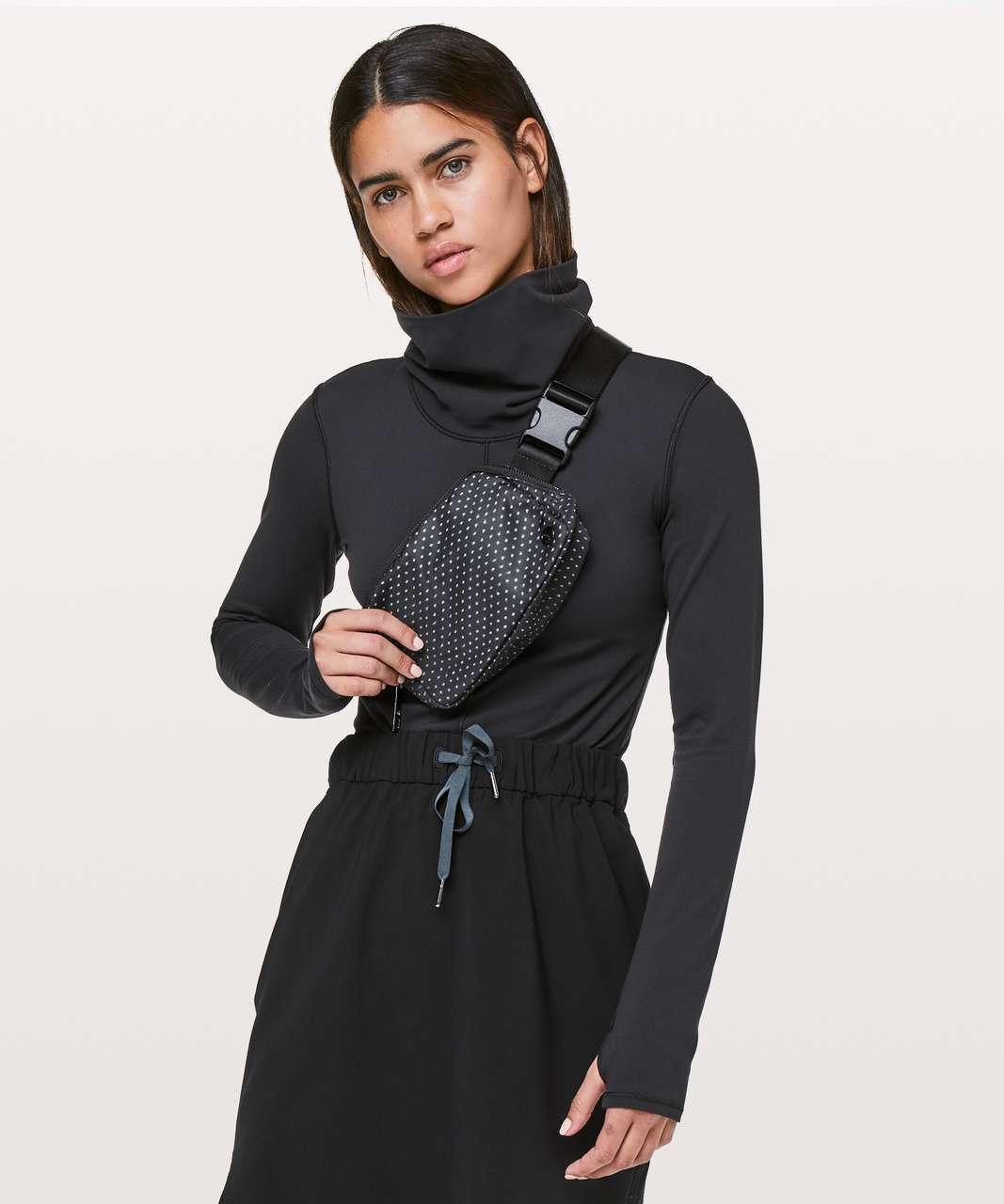 Lululemon Everywhere Belt Bag *1L - Ikat Needle Dot Grey Black / Black