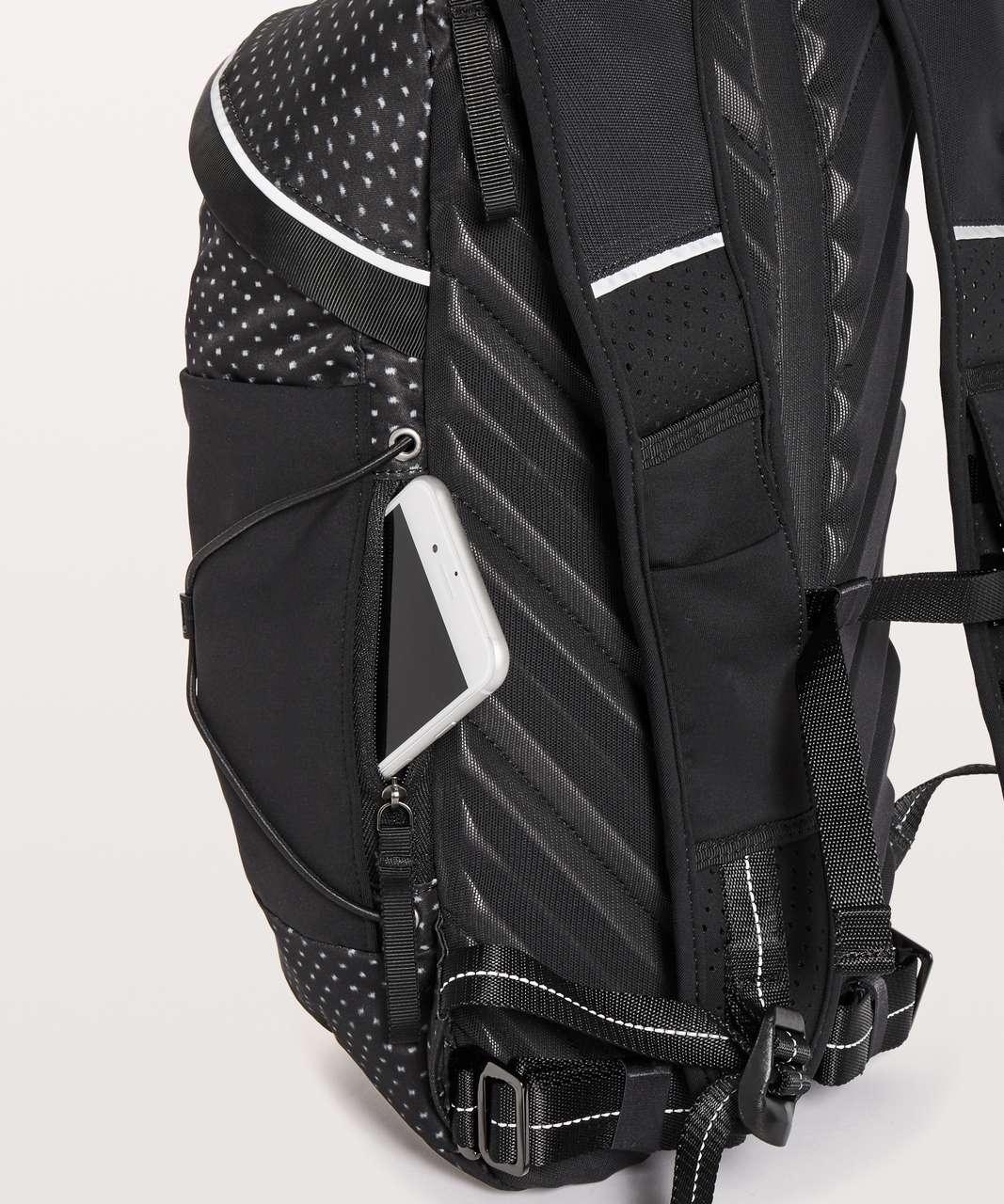 Lululemon Run All Day Backpack II *13L - Ikat Needle Dot Grey Black / Black