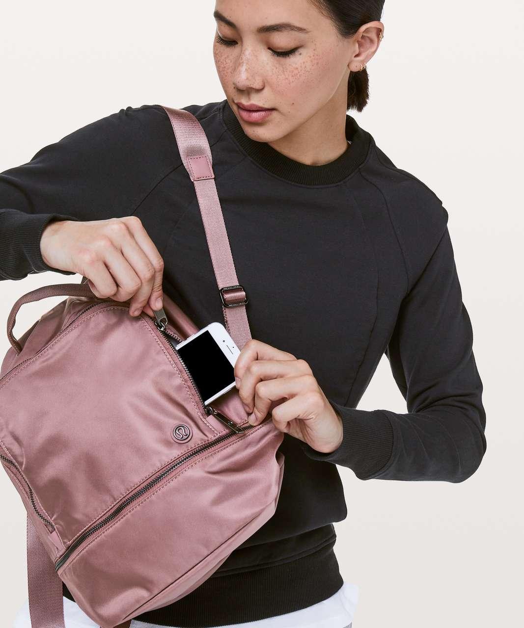Lululemon City Adventurer Backpack Mini II *10L - Red Dust