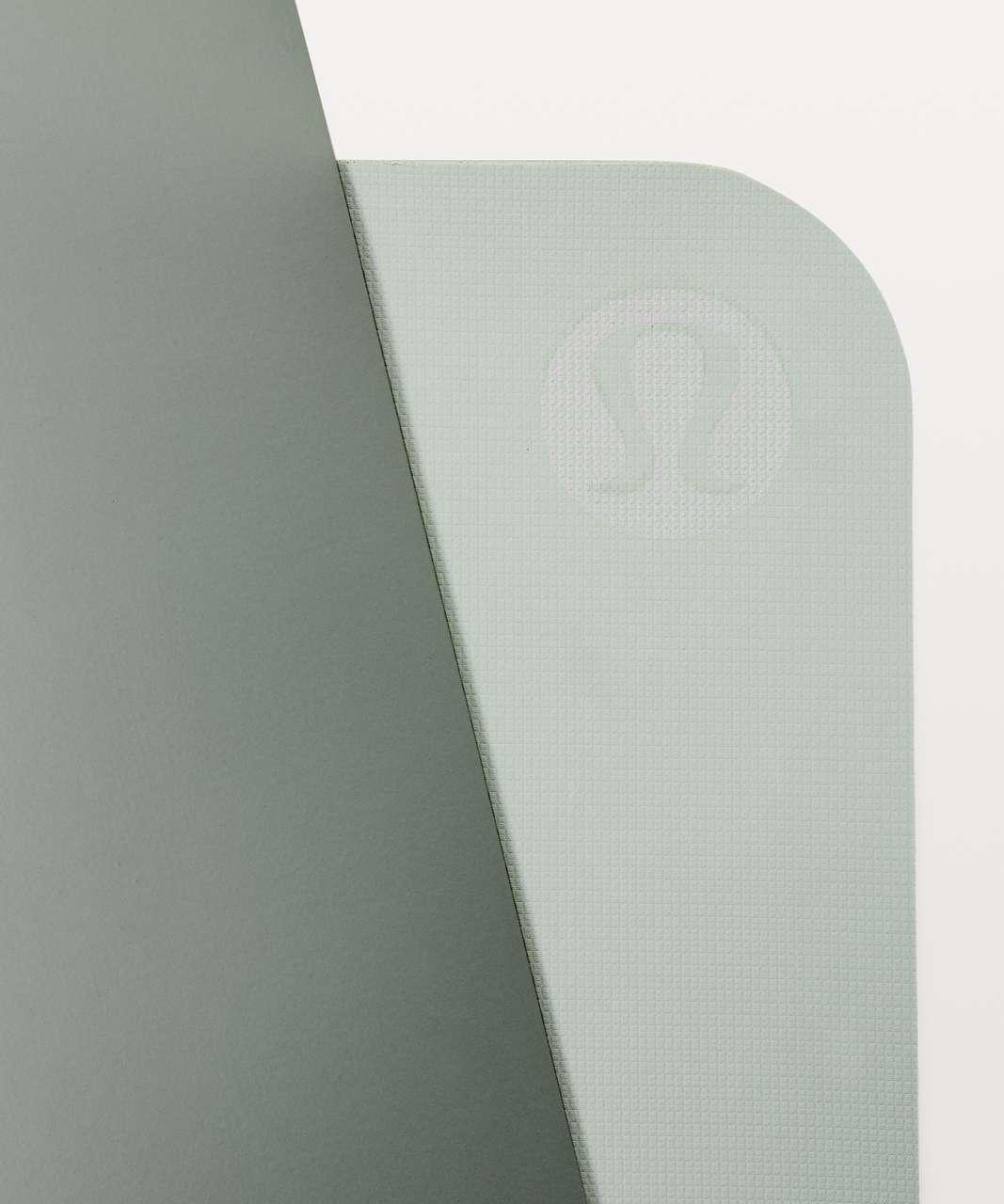 Lululemon The Reversible Mat 5mm - Earl Grey / Misty Moss