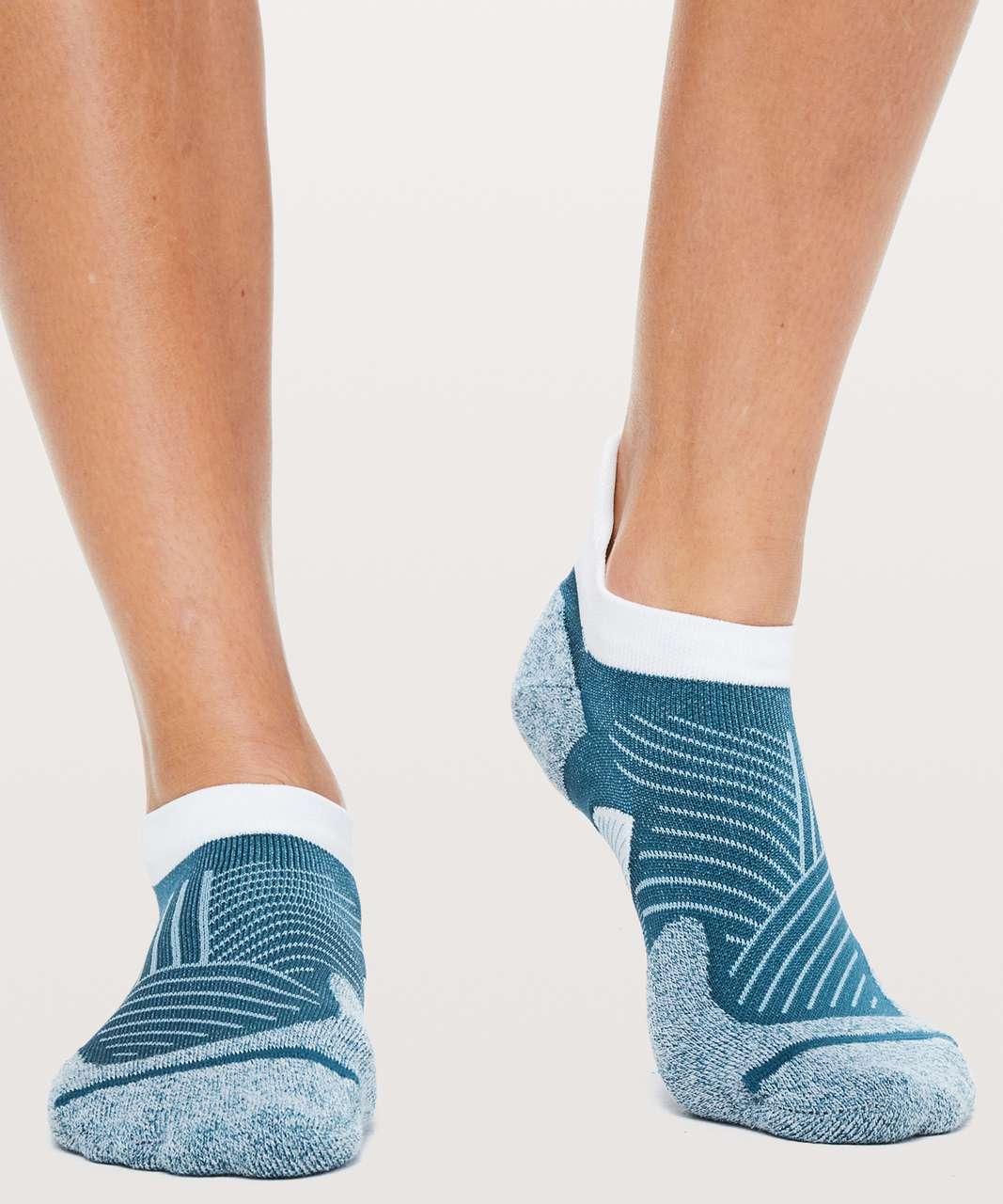 Lululemon Speed Sock *Silver - Carbon Blue / Sinatra Blue