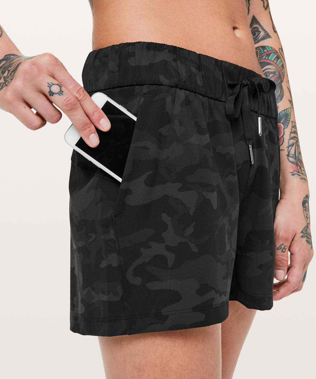 """Lululemon On The Fly Short *2.5"""" - Incognito Camo Multi Grey"""