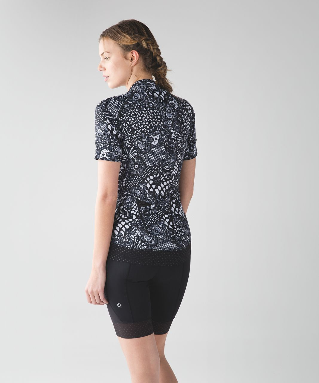 8e6cd8a0b Lululemon Shift Happens Jersey - Maxi Pretty Lace White Black   Black