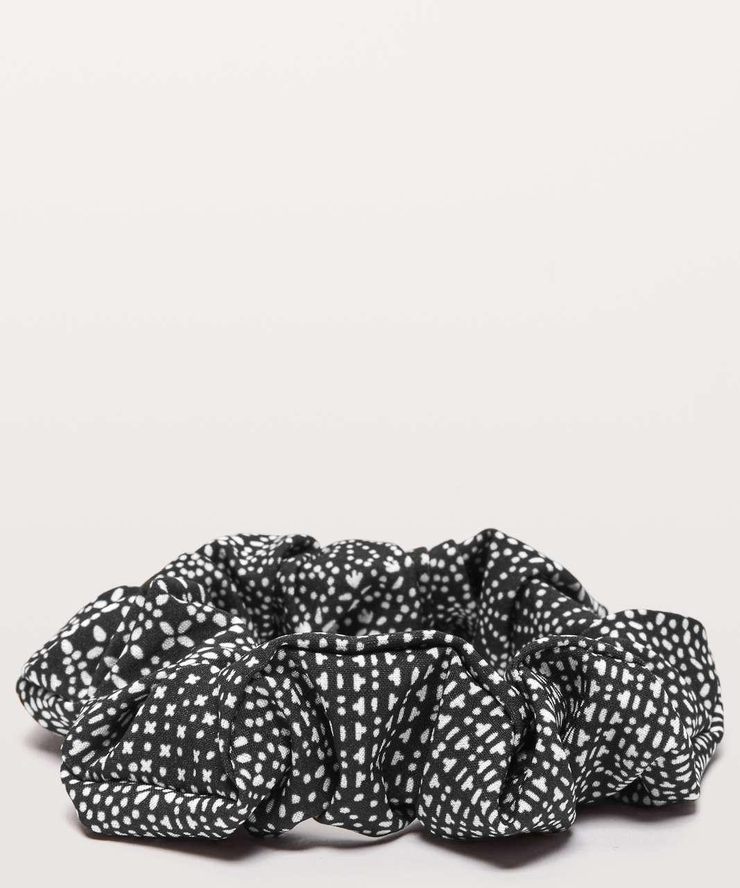 Lululemon Uplifting Scrunchie - Meisai White Black