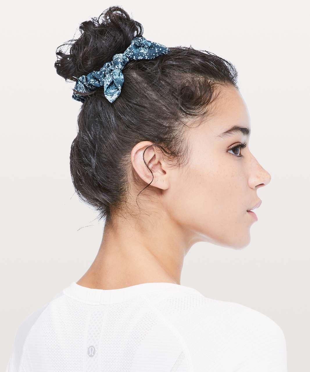 Lululemon Uplifting Scrunchie *Bow - Paisley Glaze Multi