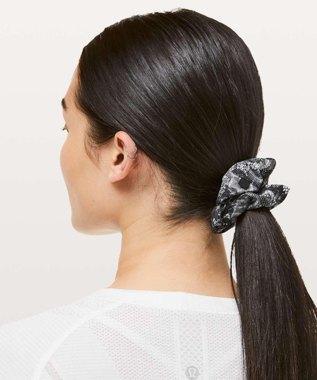Lululemon Uplifting Scrunchie - Masked Lace Starlight Black