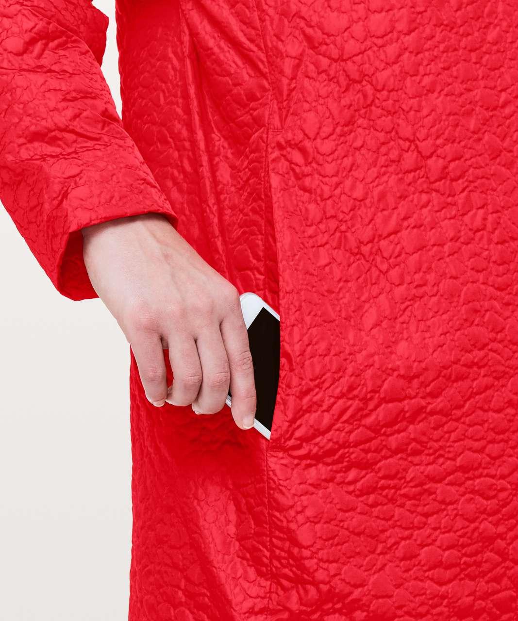 Lululemon Shiwa Long Puff - Fiery Red
