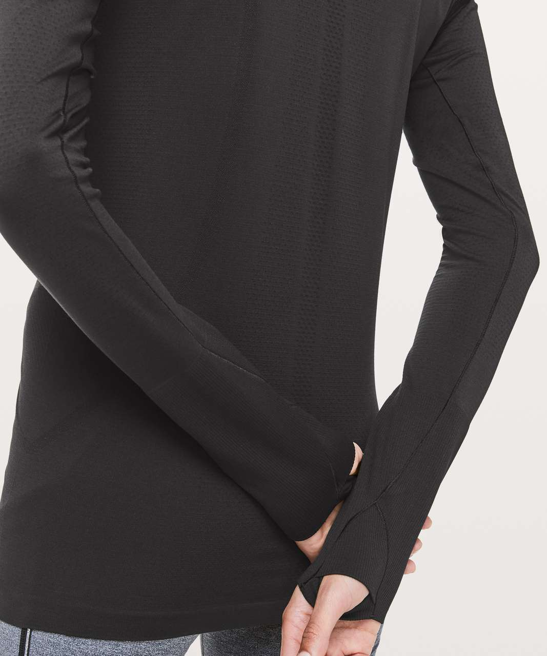 Lululemon Swiftly Speed Turtleneck - Black / Black