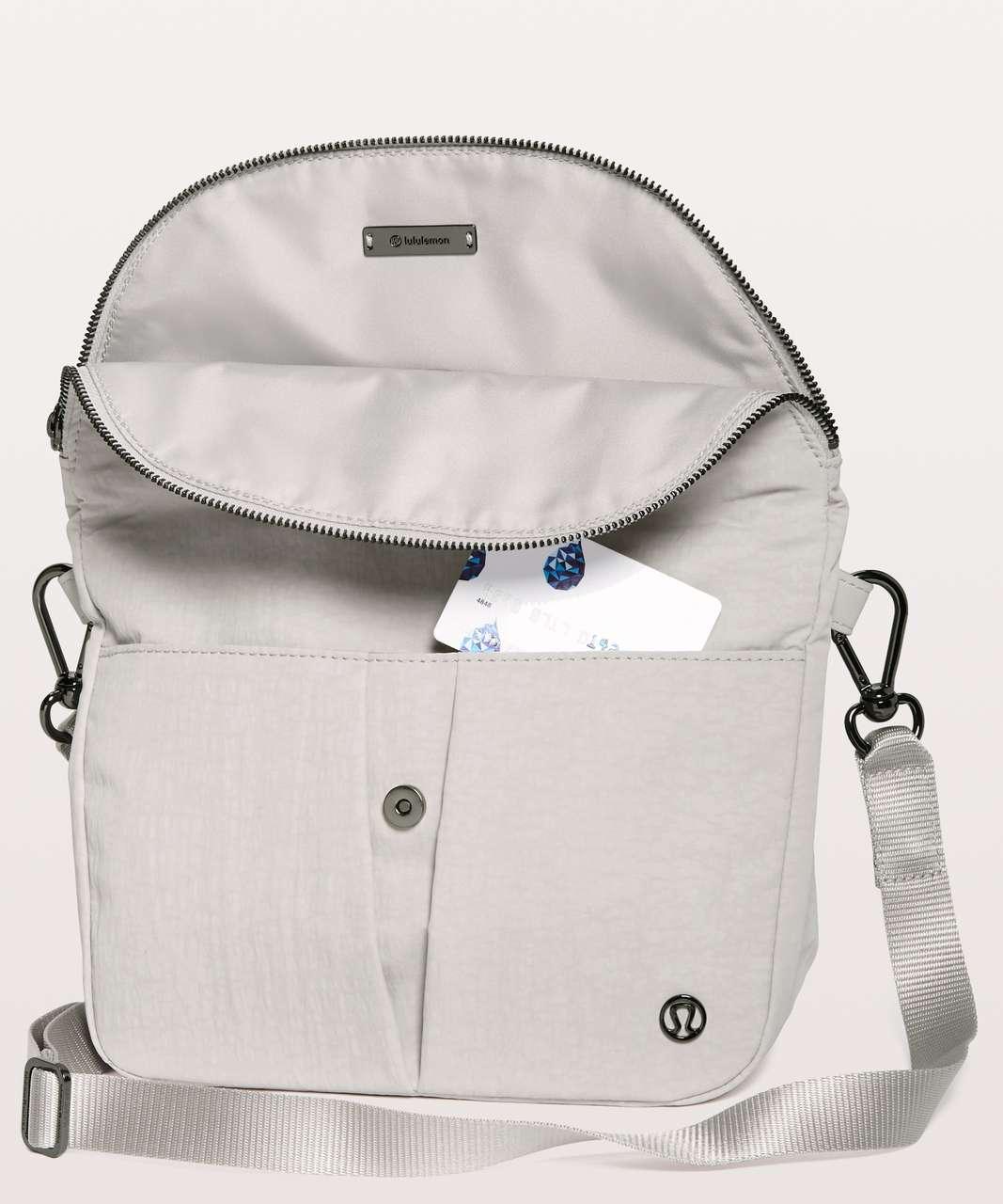 Lululemon All Night Festival Bag *5L - Chrome