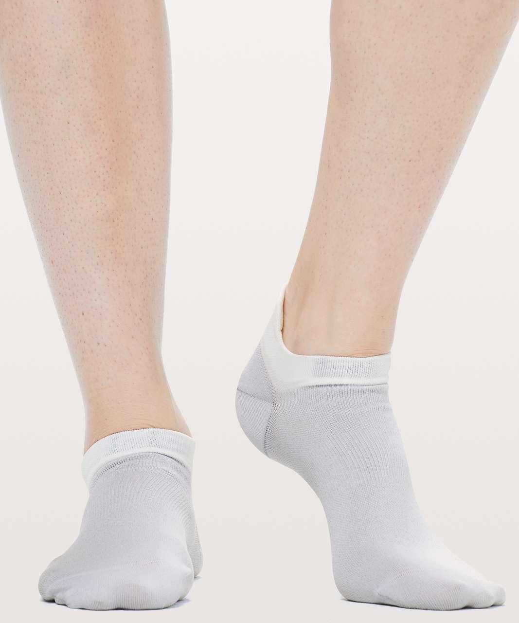 Lululemon Light Speed Sock *Silver - Sheer Lilac
