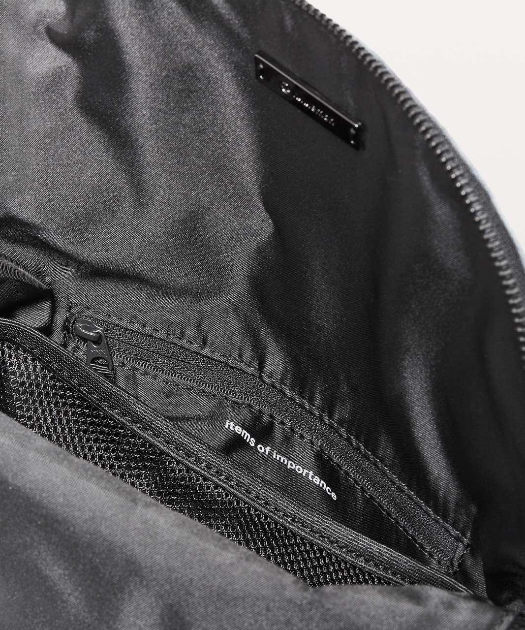 Lululemon Festival Bag II *5L - Spray Dye Grey Multi / Black