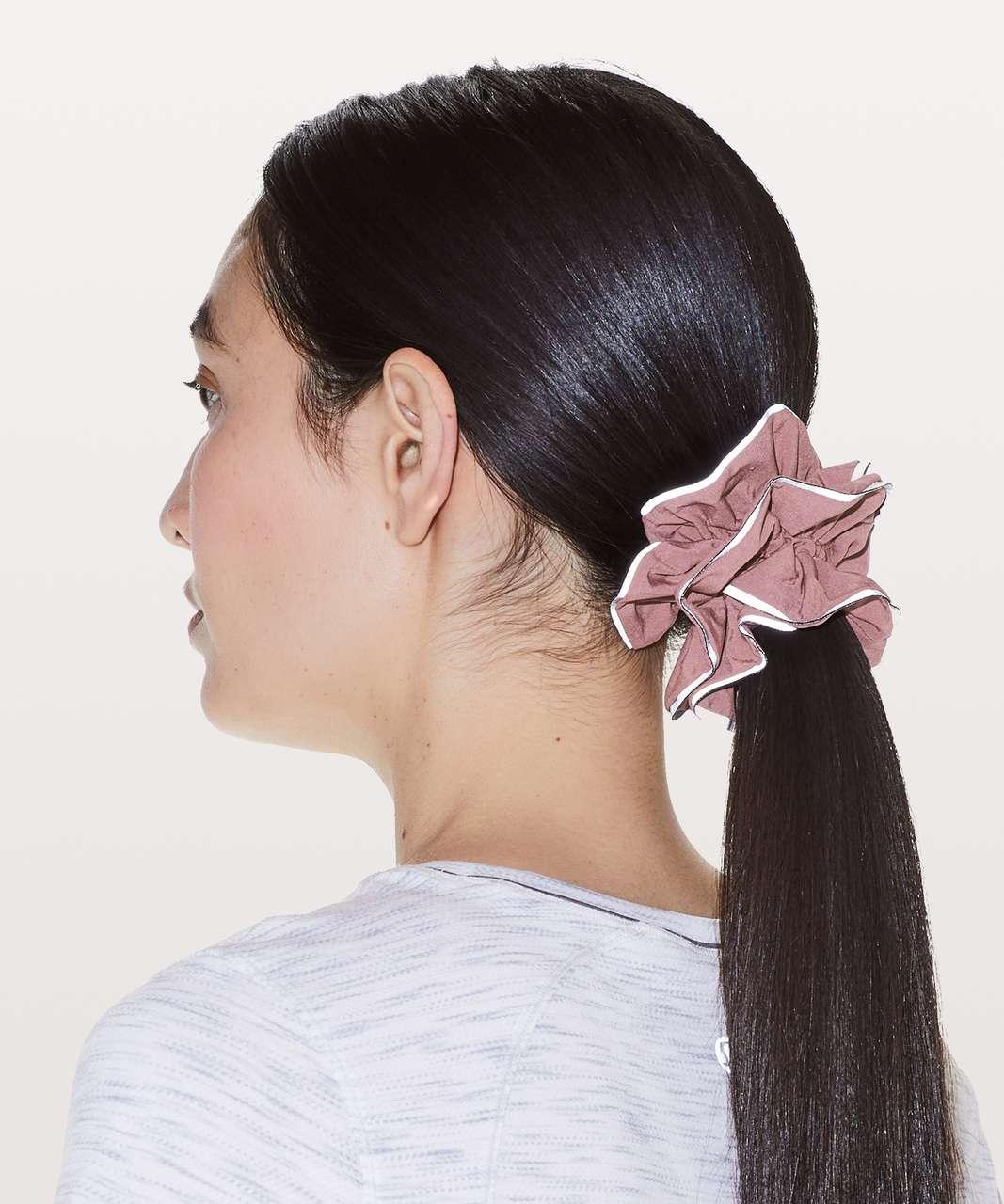 Lululemon Light Locks Scrunchie - Spanish Rose
