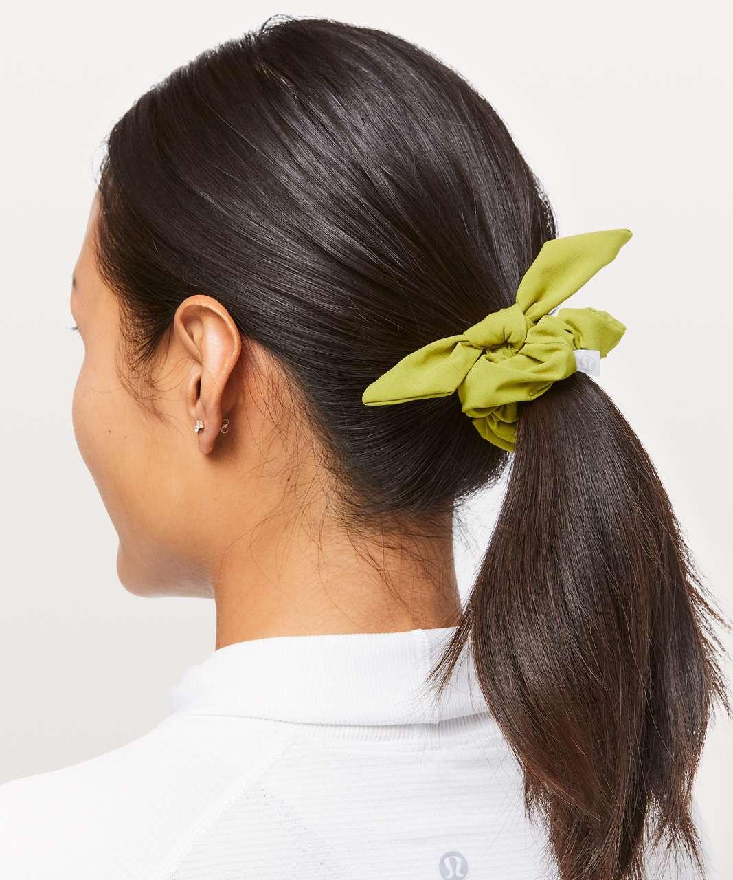 Lululemon Uplifting Scrunchie *Bow - Golden Lime