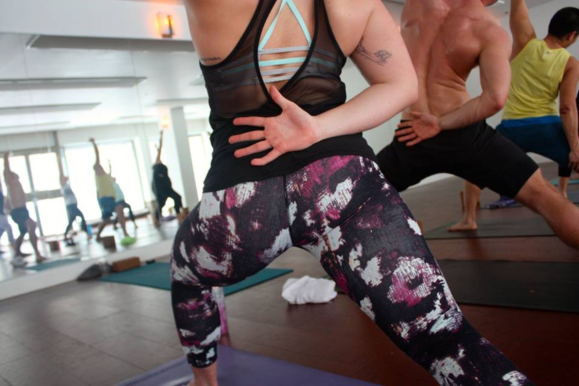 Lululemon Wunder Under Crop III - Kara Blossom Multi