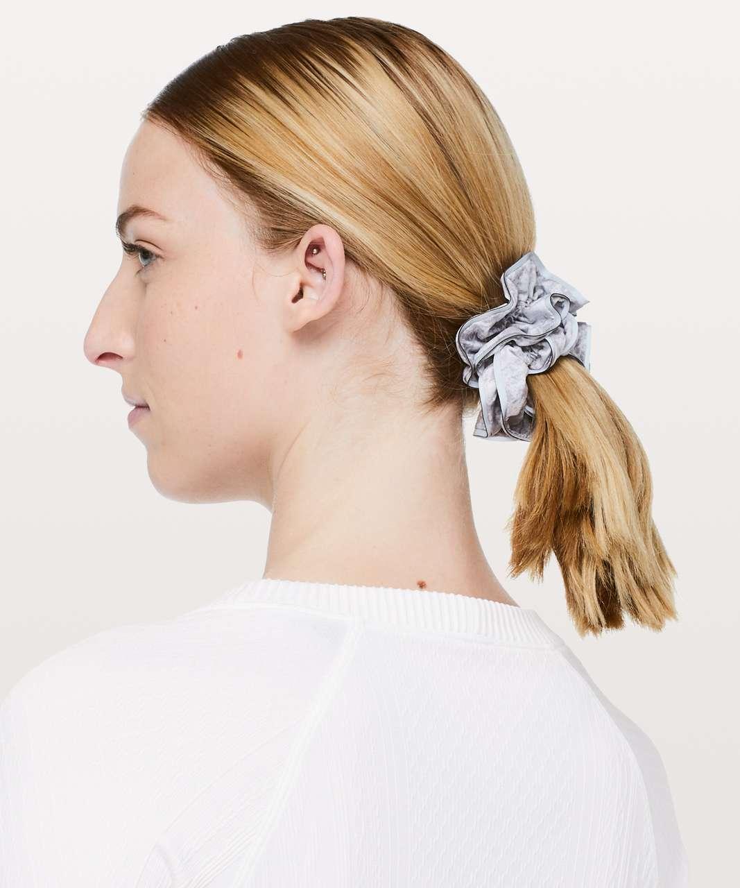 Lululemon Light Locks Scrunchie II - Washed Marble Alpine White Silverscreen