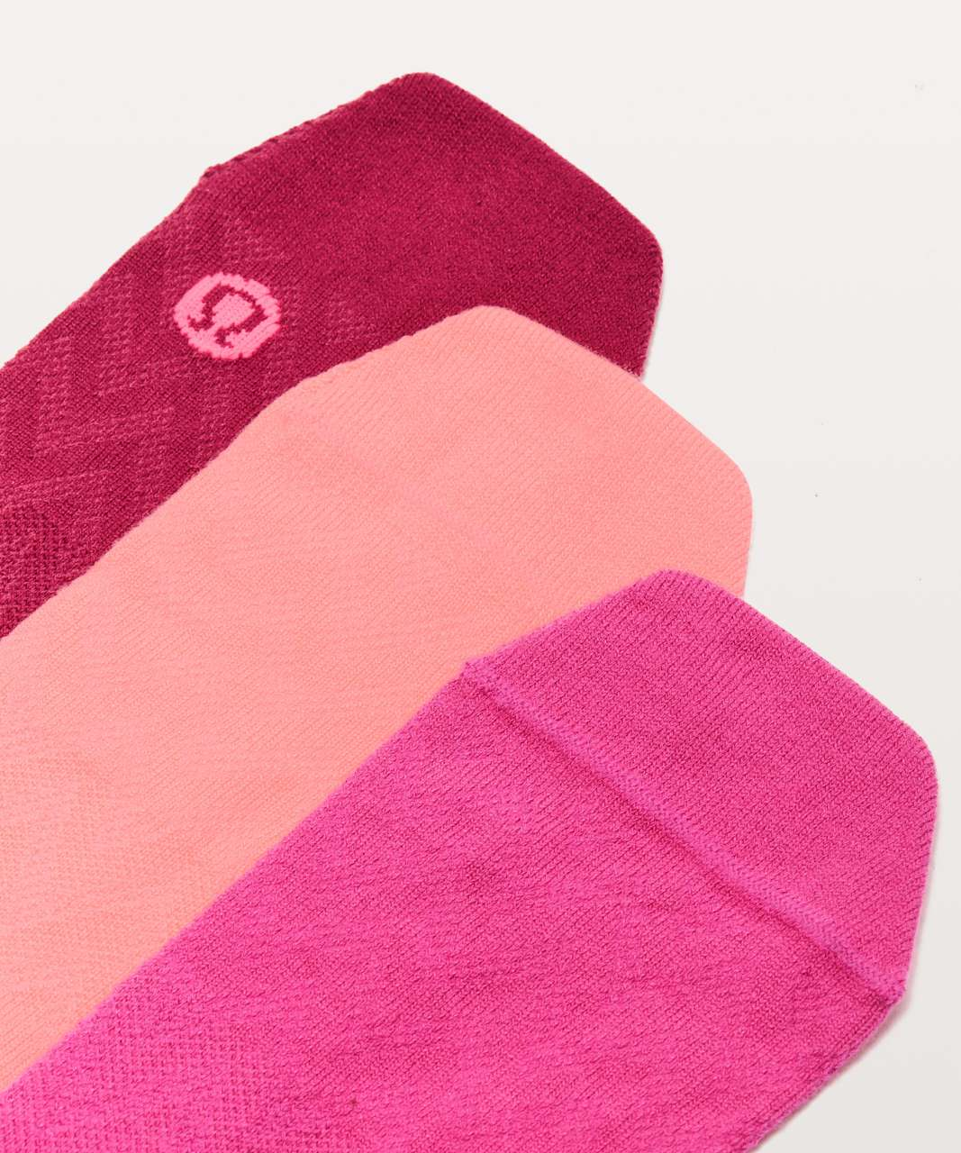 Lululemon On The Fly Sock *3-Pack - Strawberry Shock / Sonic Pink / Violet  Red