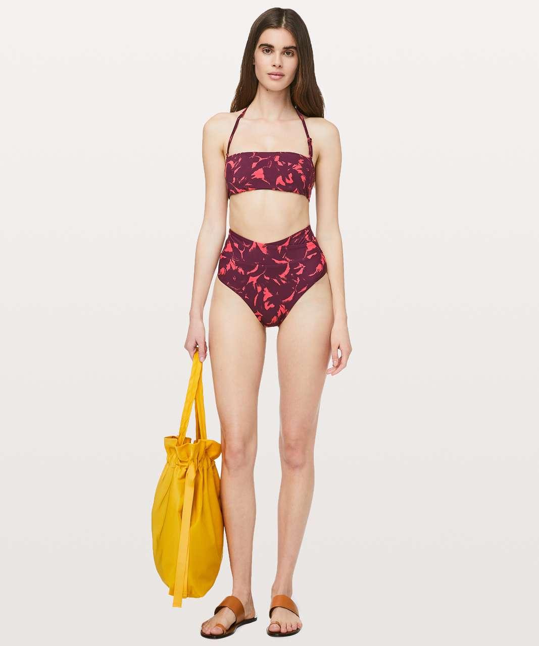 Lululemon Coastal Call Bikini Top *Reversible - Mini Flower Pop Poppy Coral Deep Ruby / Poppy Coral