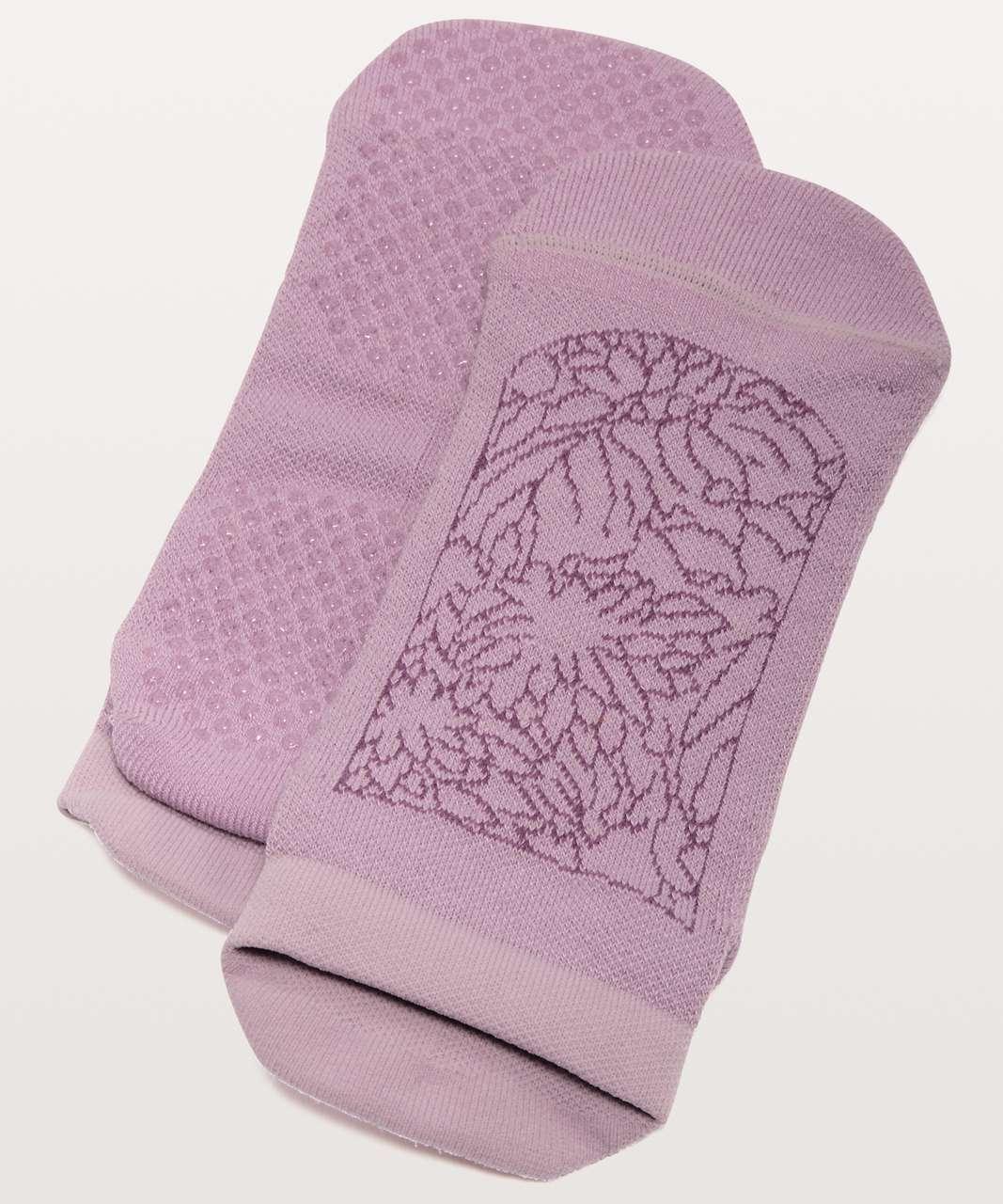 Lululemon Get A Grip Sock - Antoinette / Vintage Plum