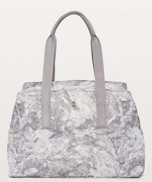 b4ce5222cb Go Getter Bag *Heatproof Pocket 26L - Washed Marble Alpine White  Silverscreen / Silverscreen