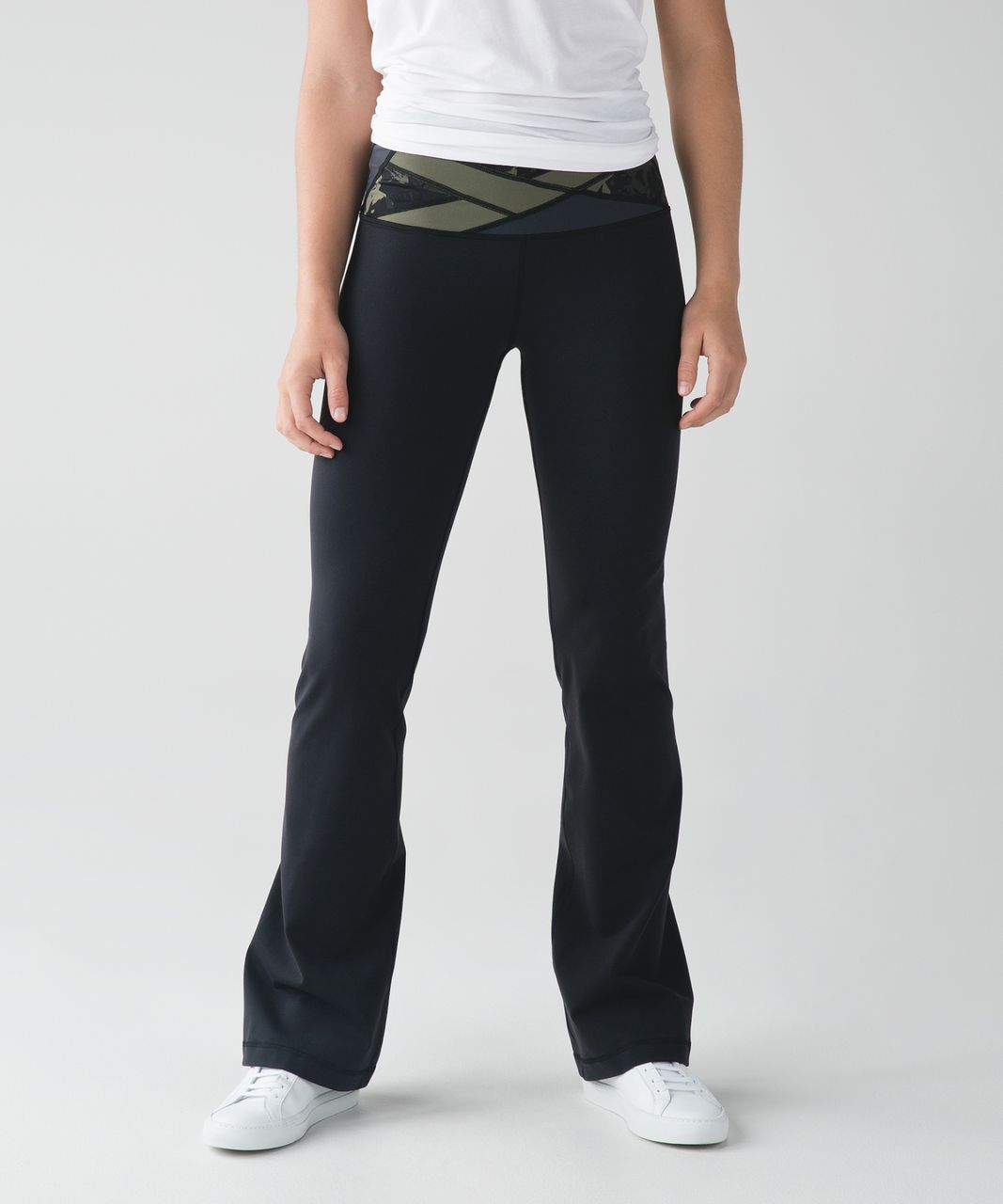 Lululemon Groove Pant III (Regular) - Black / Deep Coal / Pop Cut Fatigue Green Black
