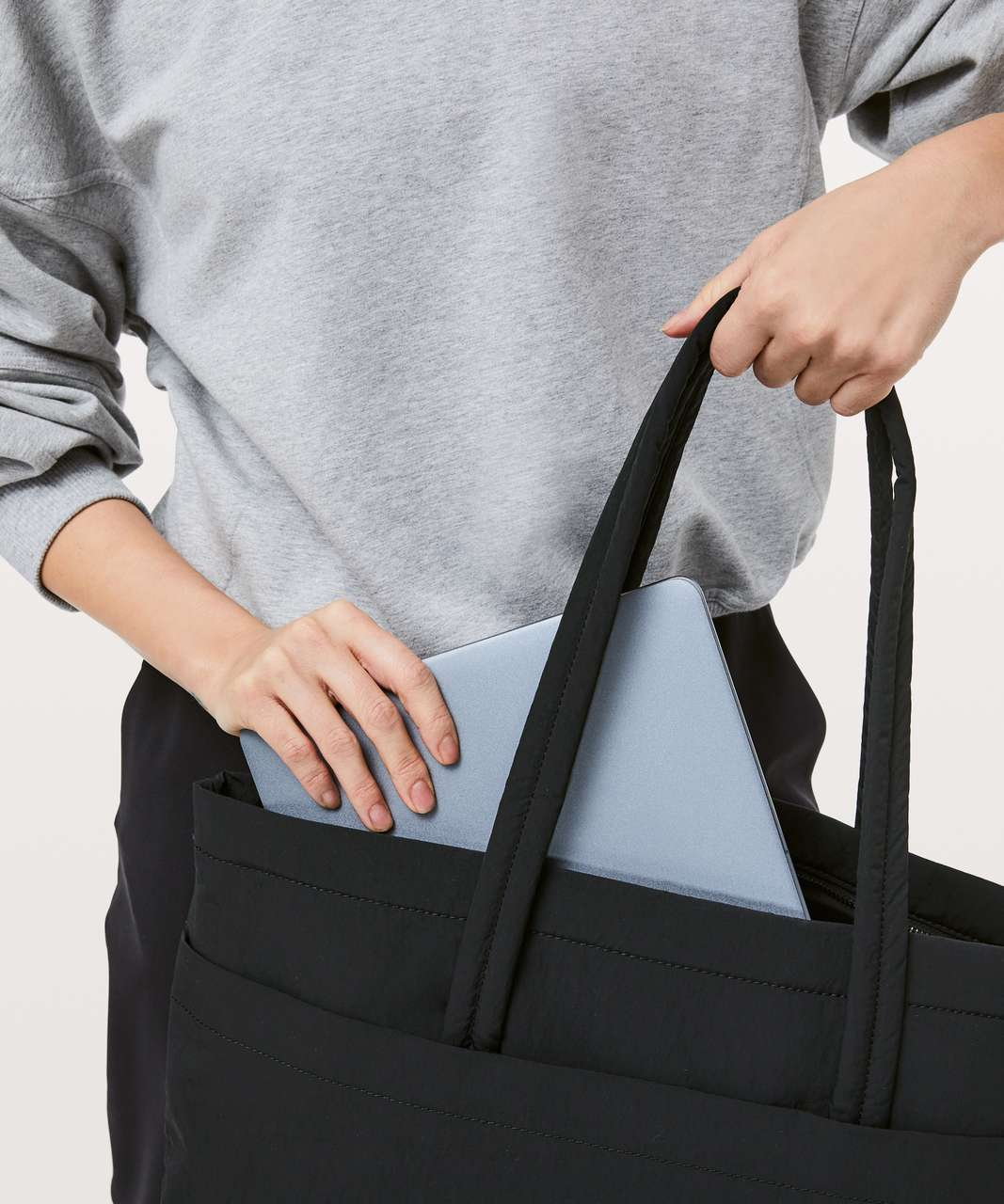 Lululemon On My Level Tote *Large 15L - Black (First Release)