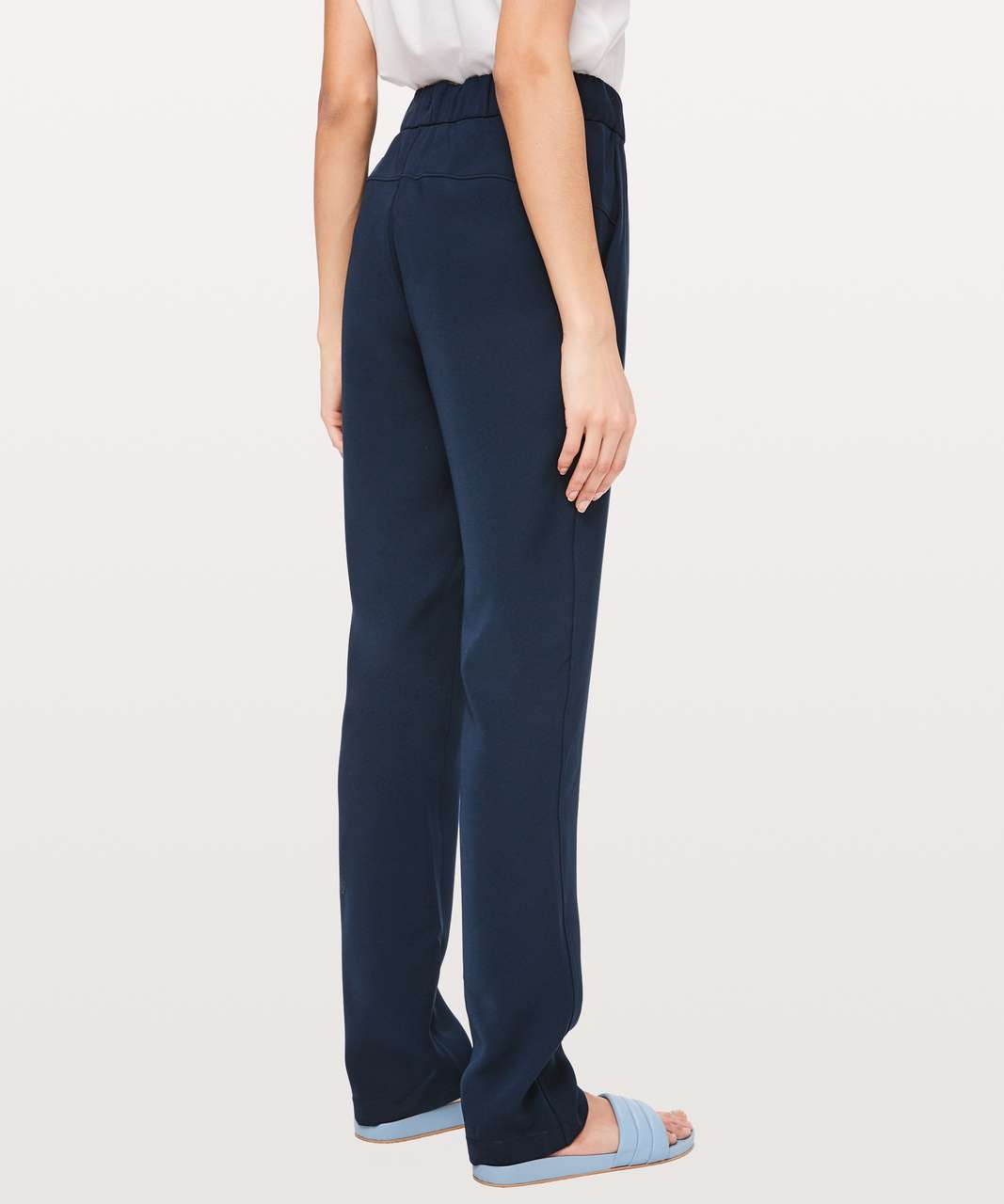 "Lululemon On The Fly Pant Woven Tall 33"" - True Navy"