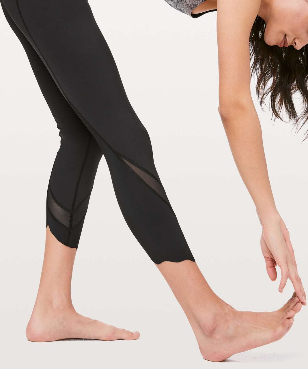 "Lululemon Wunder Under Crop II *Roll Down Scallop Full-On Luxtreme 24"" - Black (First Release)"