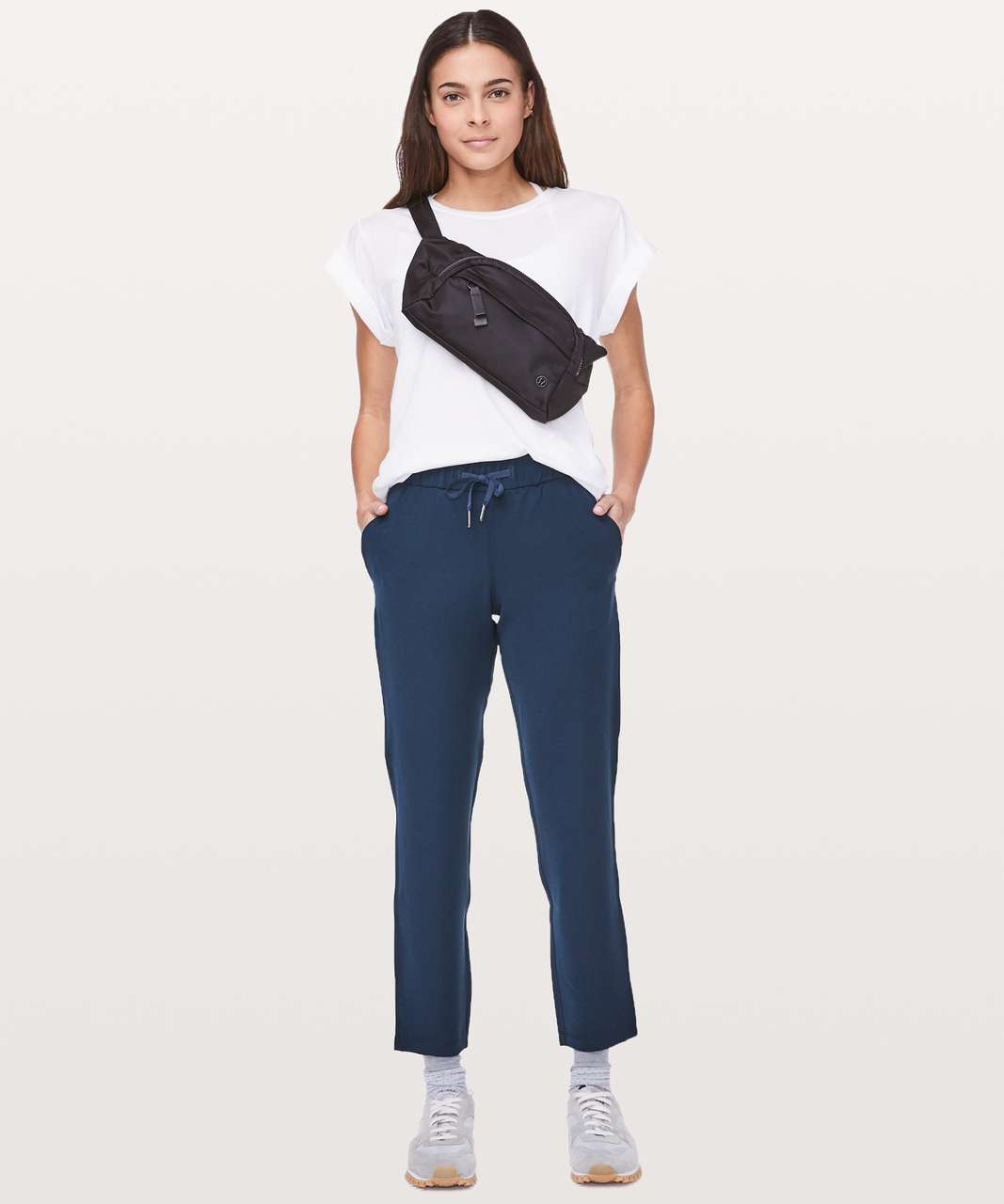 "Lululemon On The Fly Pant *Woven 27"" - True Navy"