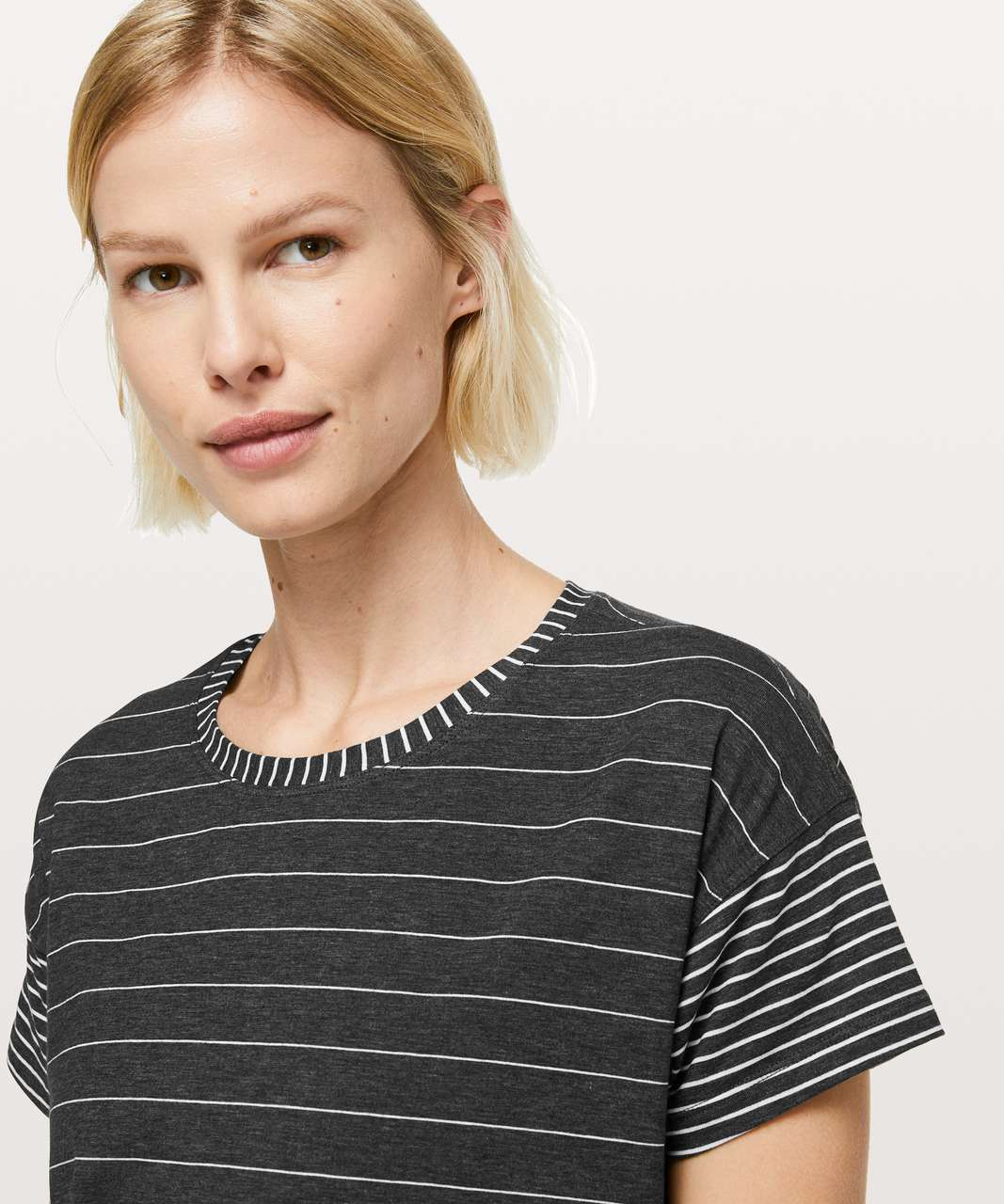 Lululemon Cates Tee - Short Serve Stripe Heathered Black White / Modern Stripe Heathered Black White
